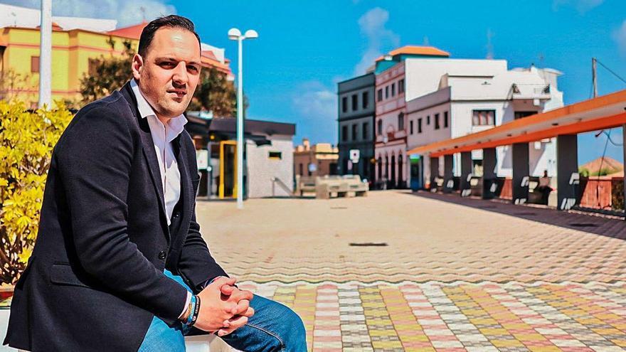 """""""Me preocupa no conocer las cargas que nos va a delegar  el Gobierno de Canarias"""""""