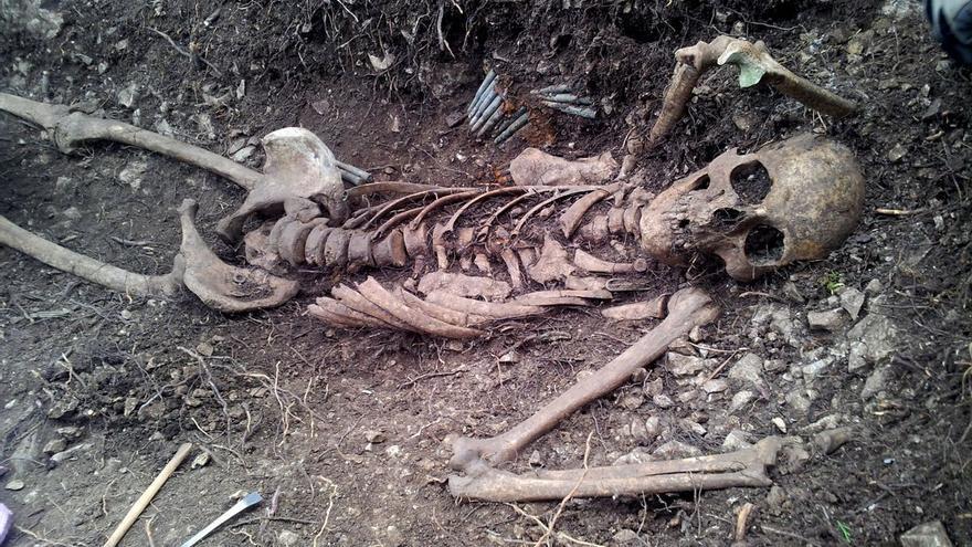 Se busca tumba digna para este soldado desconocido