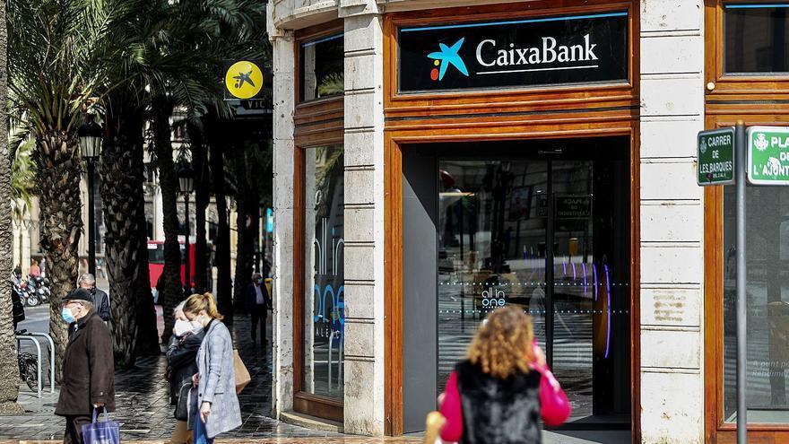 La banca ha cerrado hasta junio el 5 % de su red de oficinas en la C. Valenciana