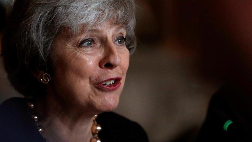 Los militantes 'tories' dan la espalda a May y prefieren un 'brexit' sin acuerdo