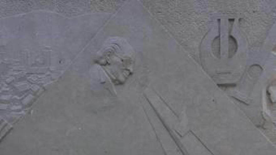 Quejas por el monumento a Rodrigo