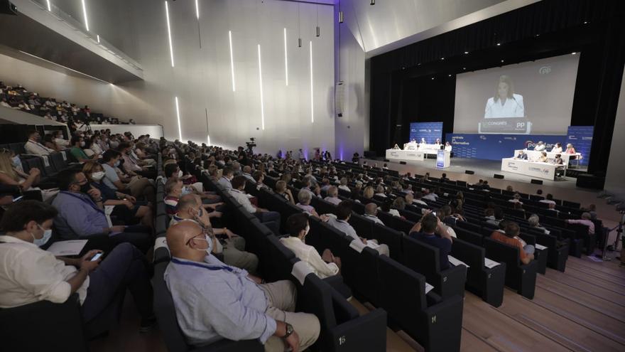 """Díaz Ayuso: """"Baleares necesita otro tipo de política"""""""