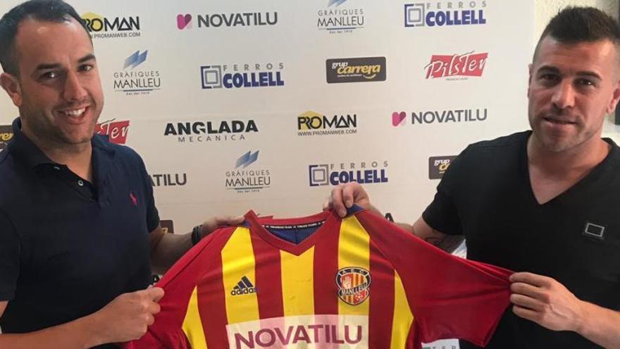 El davanter Manel Sala deixarà el Manresa per ser l'entrenador del Manlleu