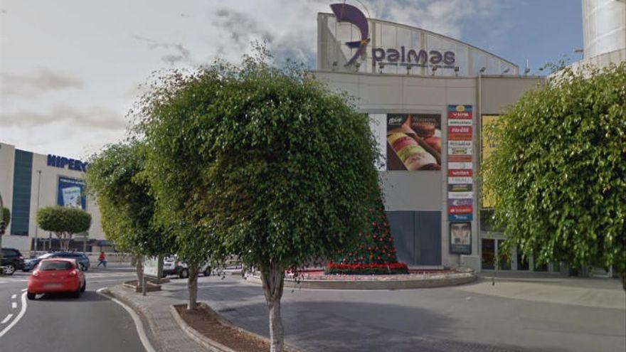 Empresarios de Siete Palmas denuncian que el carril bici eliminará 300 plazas de aparcamientos