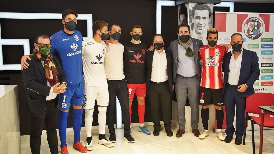 Uhlsport vestirá al Zamora  los próximos dos años