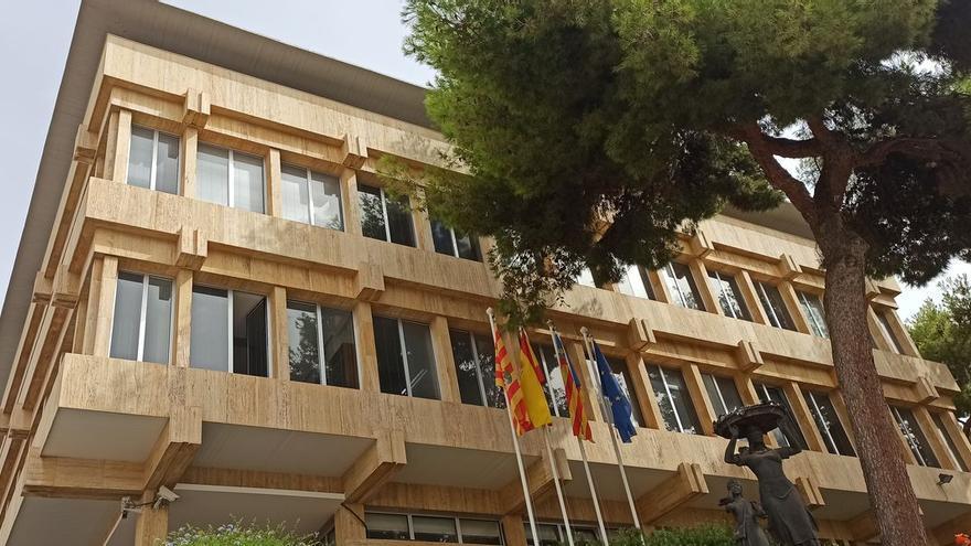 Benicàssim insta al Gobierno a reducir al 10% el IVA en las facturas de la luz de los ayuntamientos