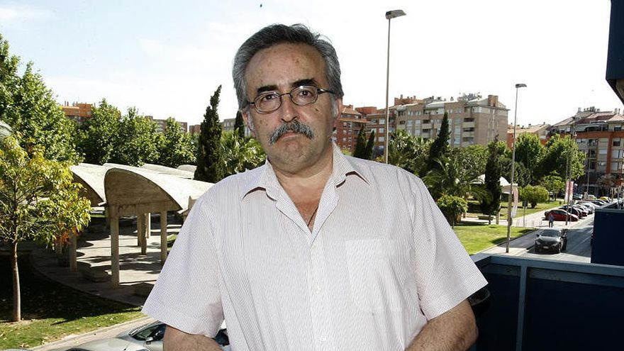 Investigan por delito de odio al exjuez de Murcia que retrasó la adopción de una pareja de mujeres