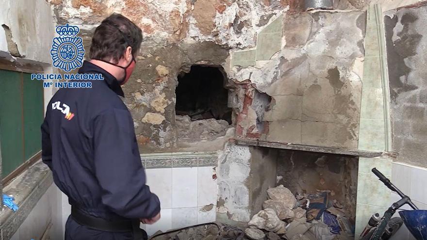 La Policía esclarece el crimen de un hombre y descubre su coche emparedado en una casa de Pinoso