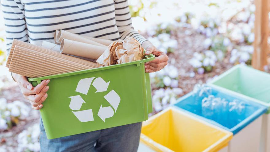 Reciclar el papel solo beneficia al clima si se hace con energías renovables