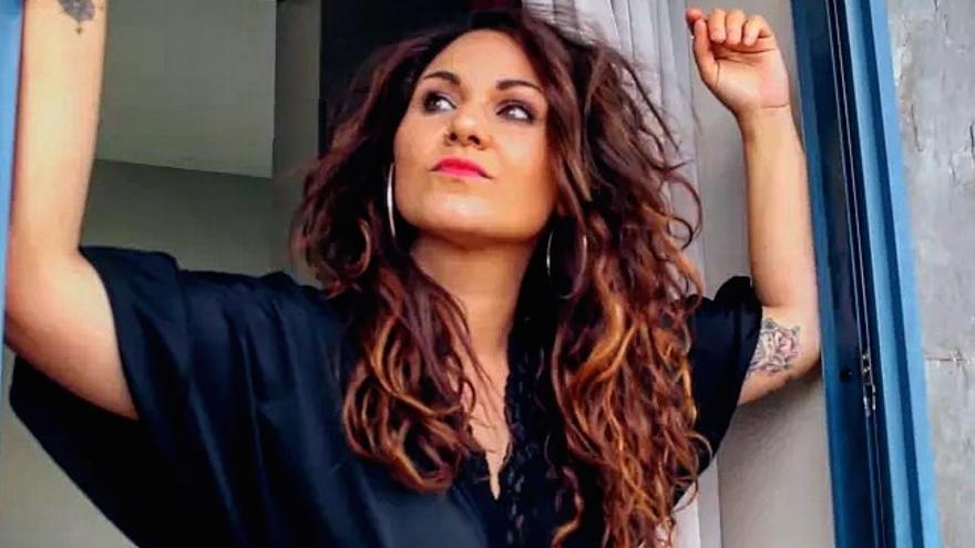 """La cantante ovetense """"Doñita González"""" presenta su disco """"Puro Sueño"""""""