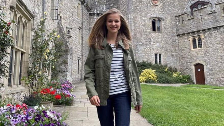La princesa Leonor, radiante en su nuevo colegio de Gales