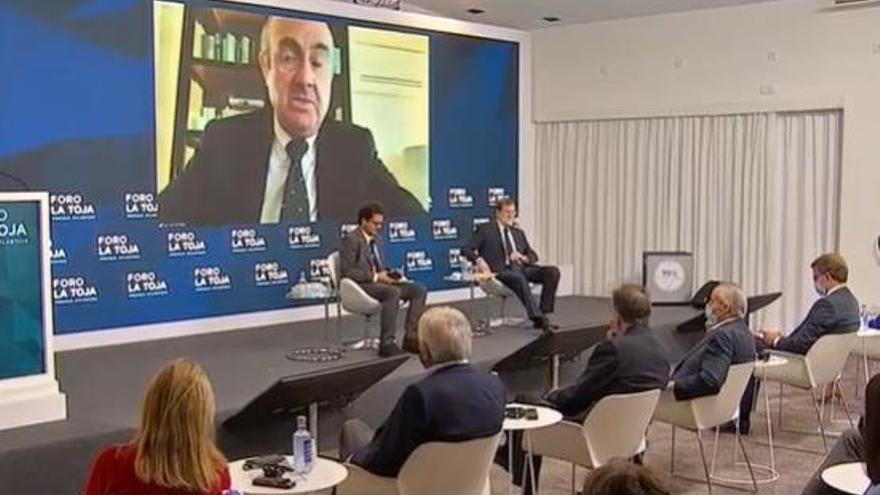 """Luis de Guindos: """"La recuperación llegará a finales de 2022 y será desigual por sectores y países"""""""