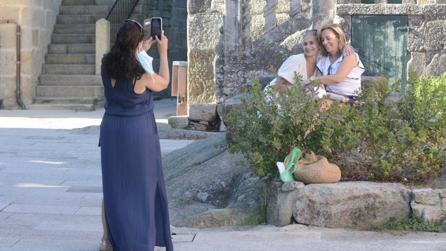 Galicia afloja las restricciones: el turismo y la vida social ganan aforo