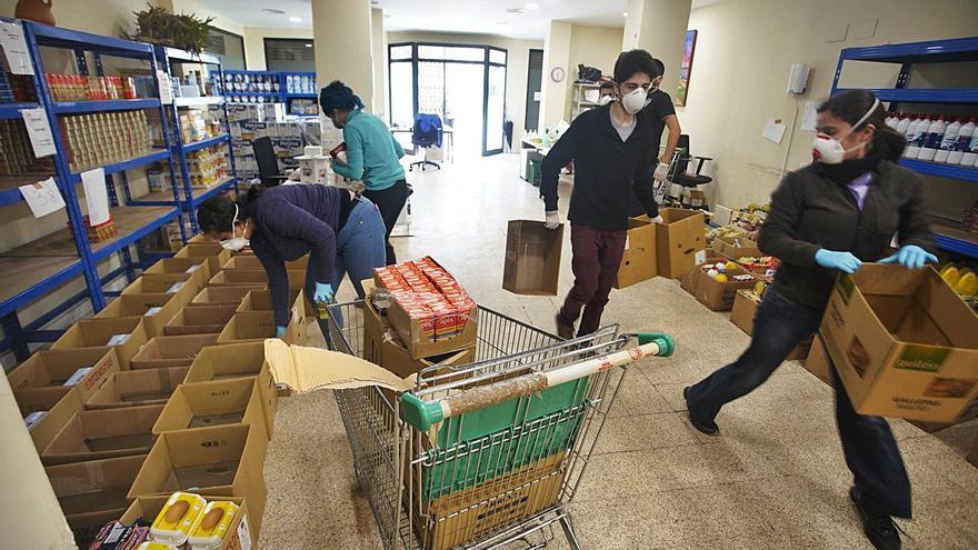 Gairebé 150.000 catalans en pobresa severa no reben cap tipus d'ajuda