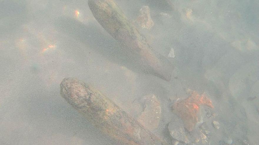 Emerge el esqueleto de un llaüt de pesca que se hundió en 1926 en la playa de Calp