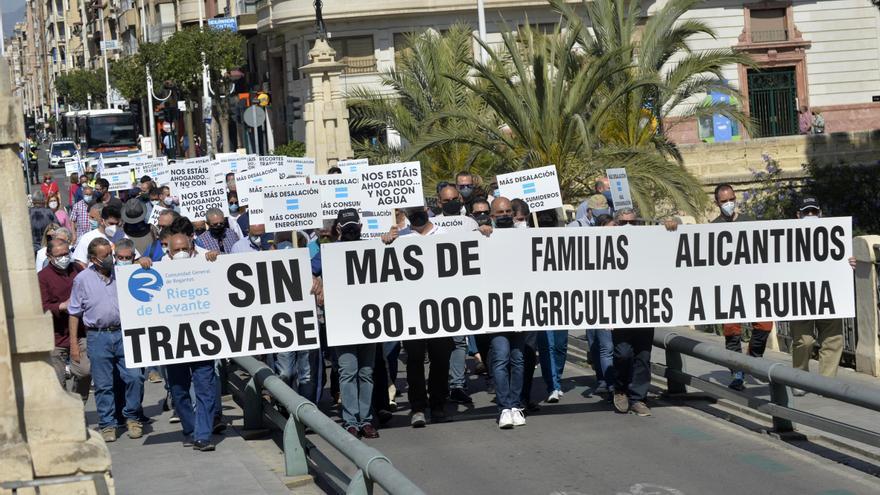 Mireia Mollà acude a la concentración en defensa del Tajo-Segura en Madrid
