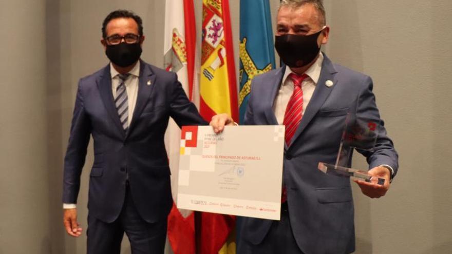 Premio a más de 40 años de defensa de Asturias y los asturianos