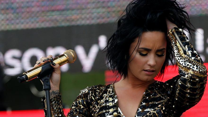 Demi Lovato sale del hospital e ingresa en un centro de rehabilitación