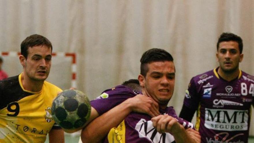 El Moralejo Selección salva un punto ante en Handvall (24-24)