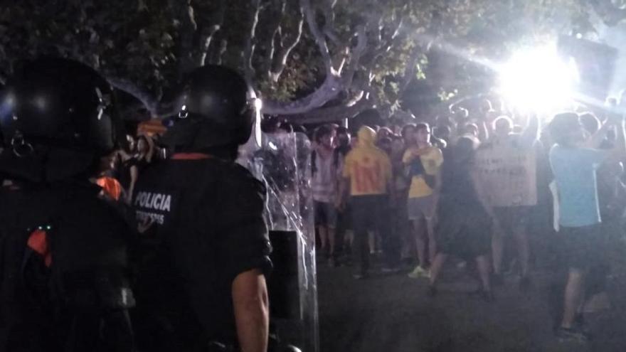 Condenado a 3 años y medio un independentista que agredió a dos mossos en 2018