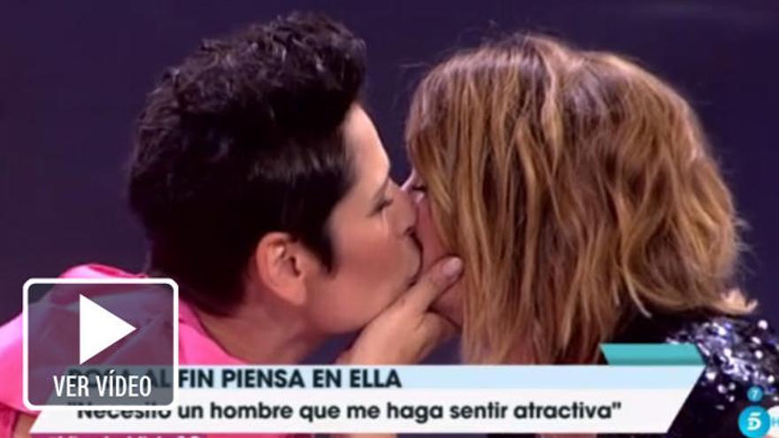 Rosa López y Toñi Moreno se besan y piden matrimonio