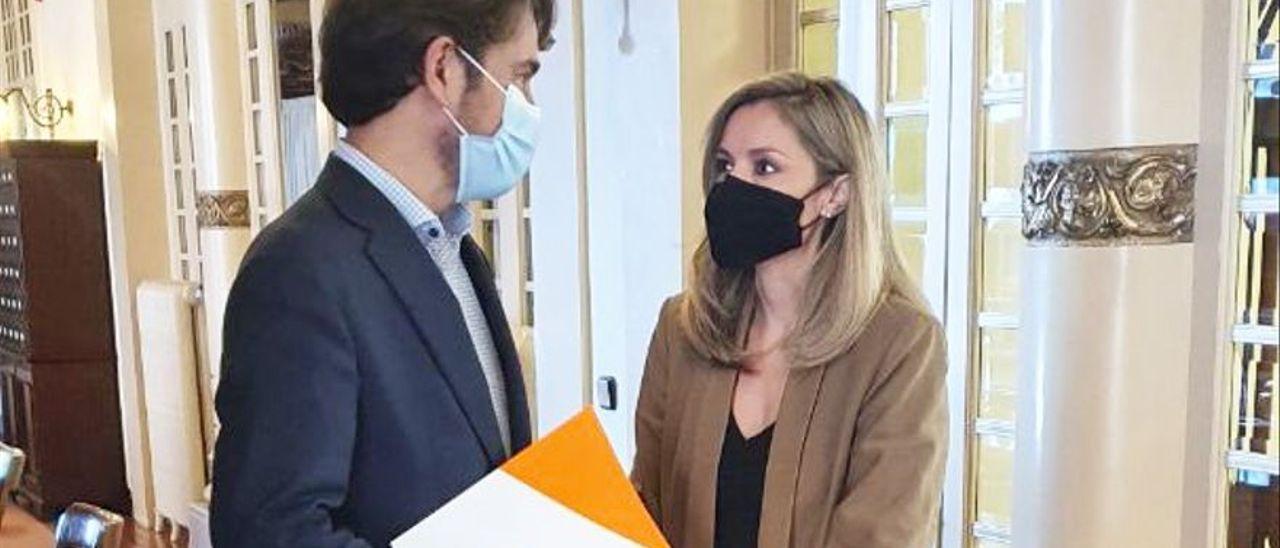 Marc Pérez-Ribas y Patricia Guasp, en una foto de archivo en el Parlament