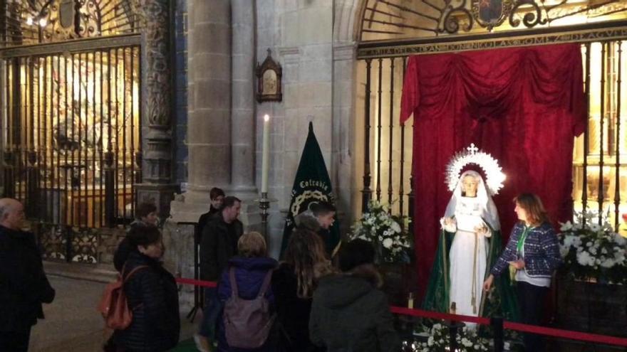 Devoción hacia la Virgen de la Esperanza