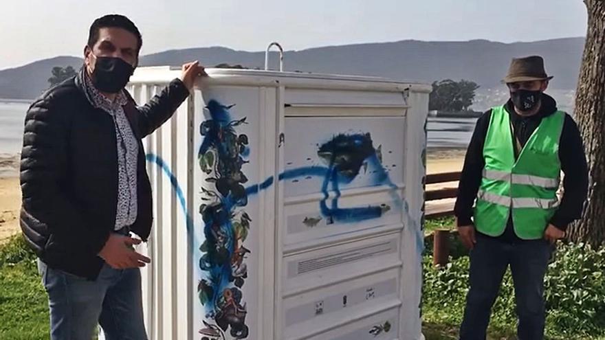Destrozan los murales de los contenedores de la playa de Cesantes