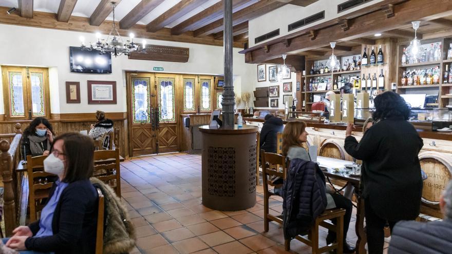 El cierre del interior de la hostelería llegará el martes a 17 municipios de Castilla y León