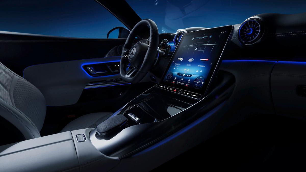 Así es el increíble interior del nuevo Mercedes-AMG SL