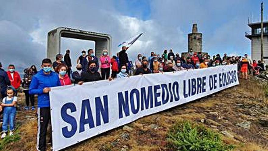 Vecinos de As Neves se movilizan contra un parque eólico en San Nomedio