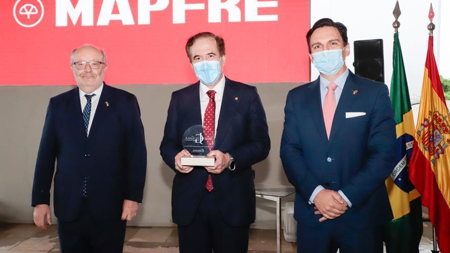 Antonio Huertas recibe en Brasilia el premio 'Personalidad española 2020'