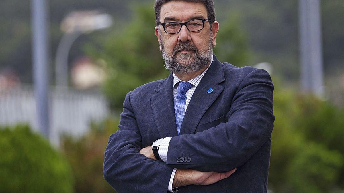 Juan Gestal, epidemiólogo y exdecano de la Facultad de Medicina de la Universidade de Santiago.     // R.G.