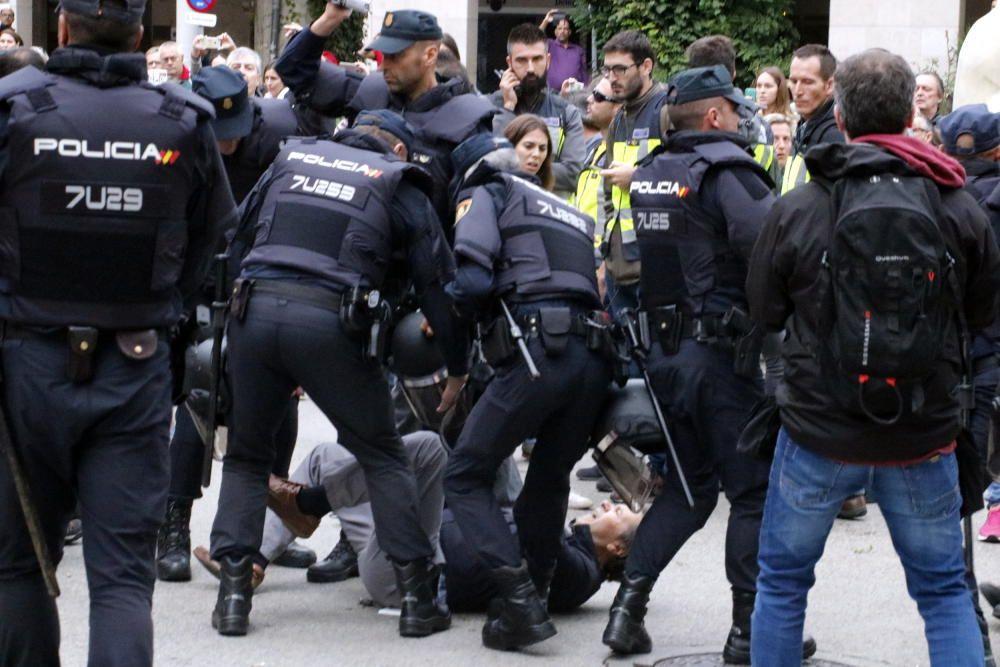 Actuació policial al Col·legi Verd de Girona