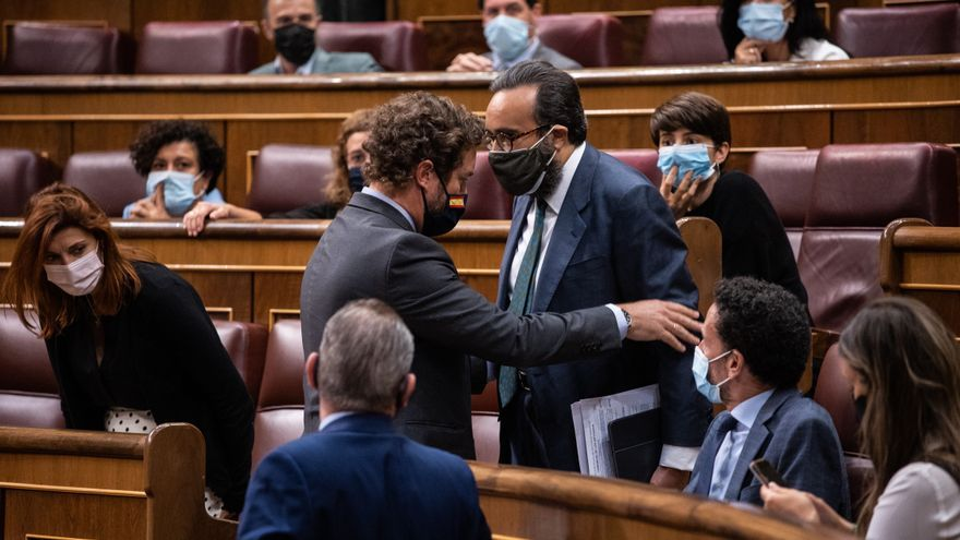 """Un diputado de Vox se niega a abandonar el Congreso tras llamar """"bruja"""" a una diputada del PSOE."""