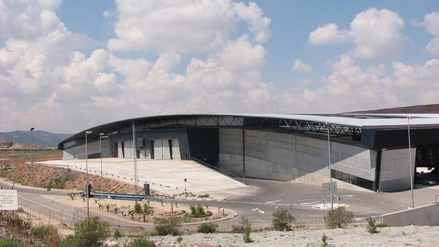 Villena concede la licencia para las obras en la cubierta de la planta de residuos