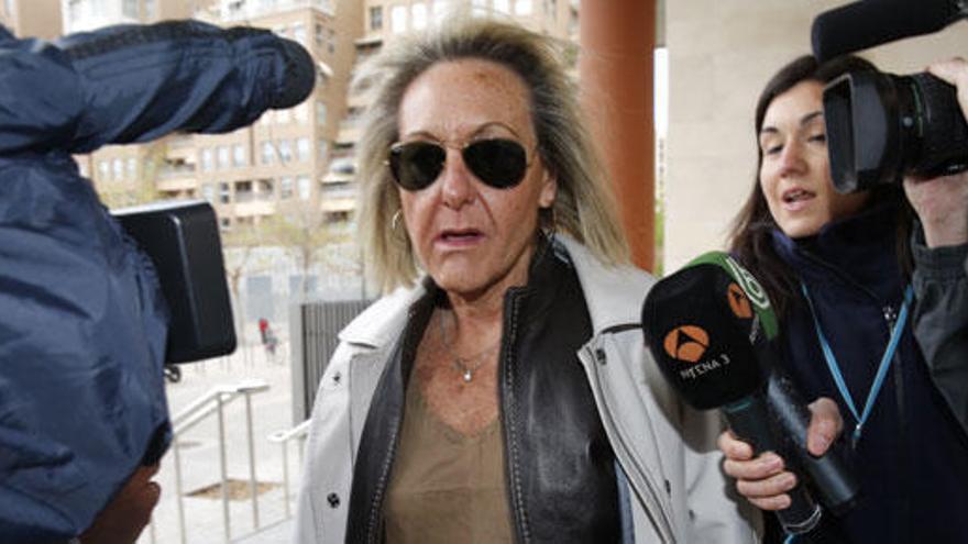 El juez imputa por delito electoral a la exsecretaria del PP de Valencia