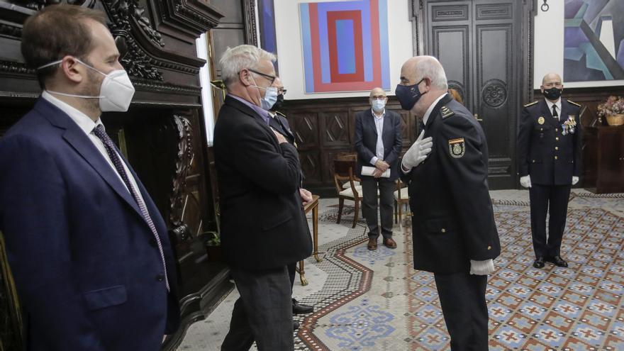 Medalla al mérito para el jefe de la Policía Nacional