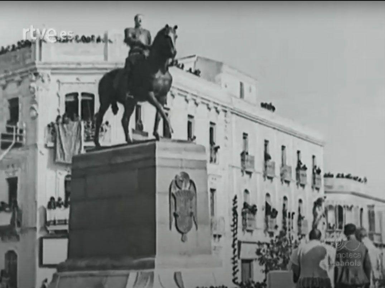 1923 Escena del documental sobre la inauguración del monumento al Gran Capitán.
