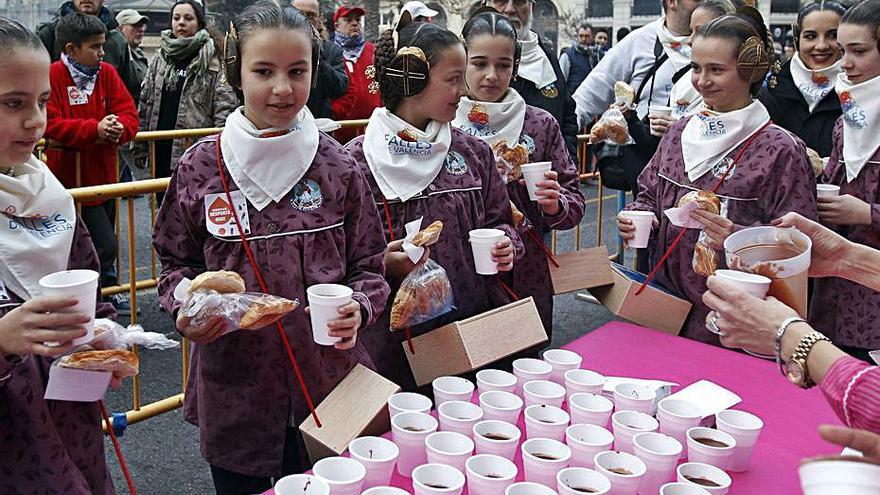 La JCF cuenta con celebrar todas las comidas oficiales y las saca a concurso