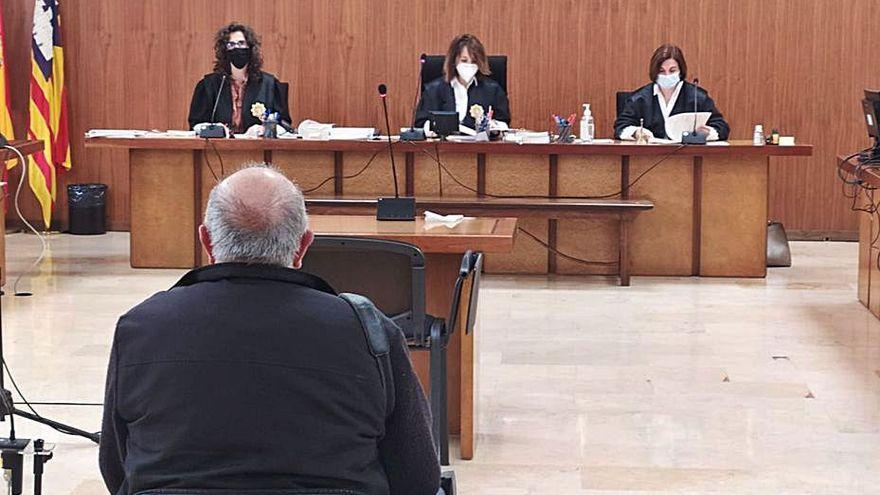 Condenado por abusar de una menor en Menorca y decirle que la tiraría por la ventana si lo contaba
