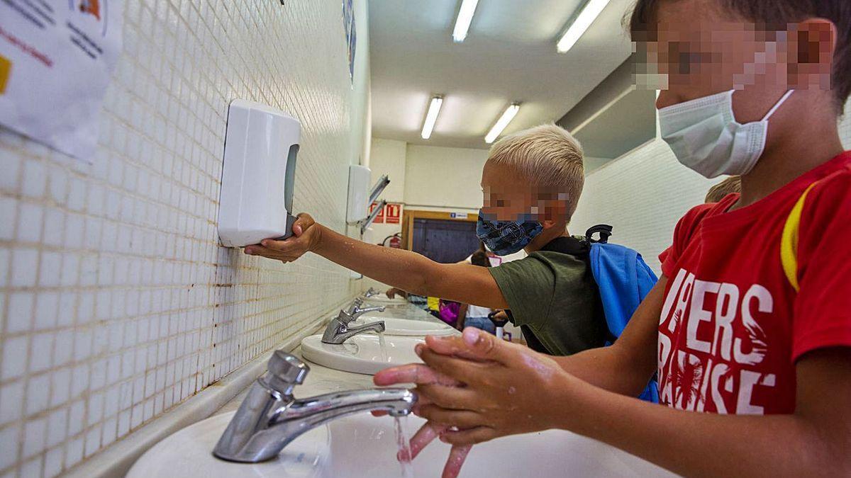 niños coronavirus colegios