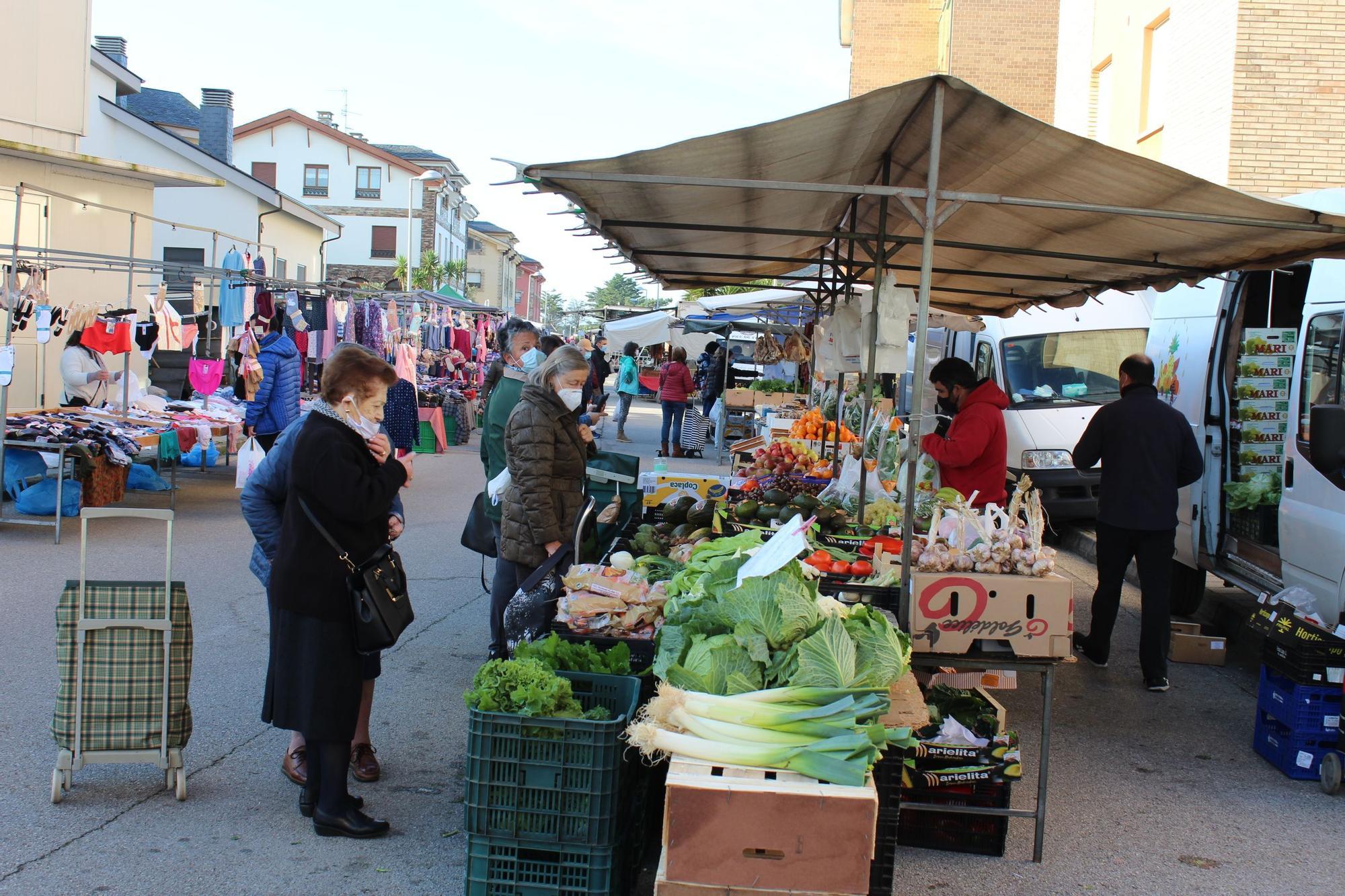 Ambiente en el mercado de Tapia
