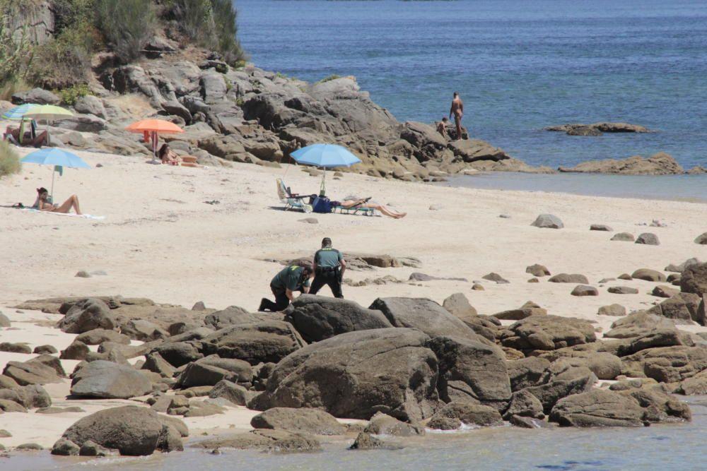 Un moañés de 80 años fallece en una playa de Cangas