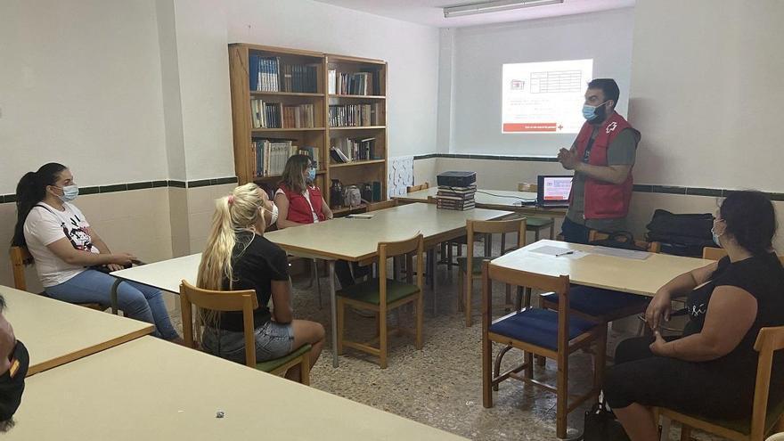 Cruz Roja combate los altos niveles de desempleo de siete zonas de Córdoba