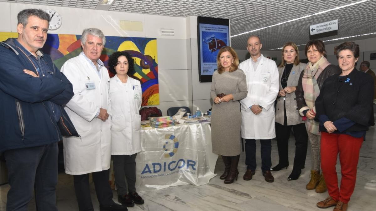 Adicor sensibiliza sobre la diabetes con dos mesas informativas en el Reina Sofía y QuirónSalud