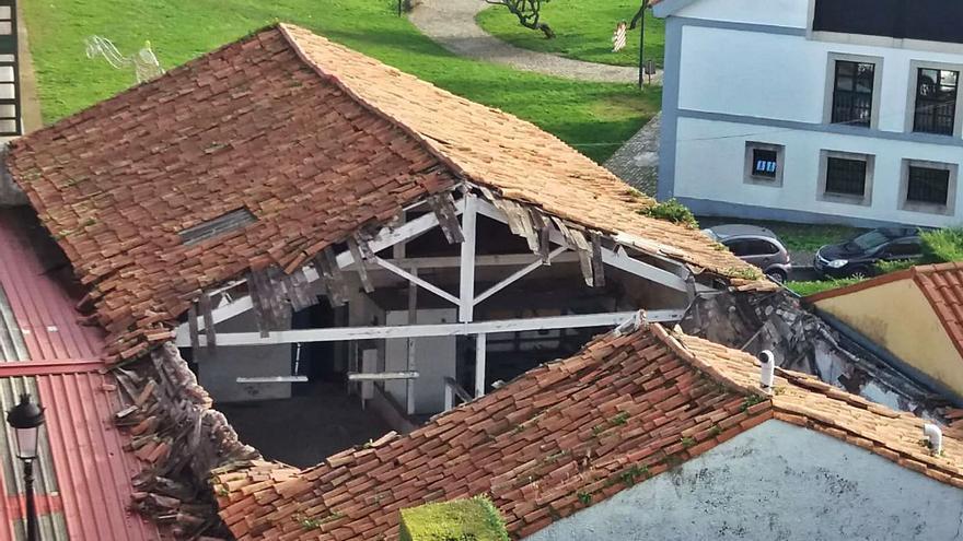 Se derrumba parte del techo de la antigua conservera Remo