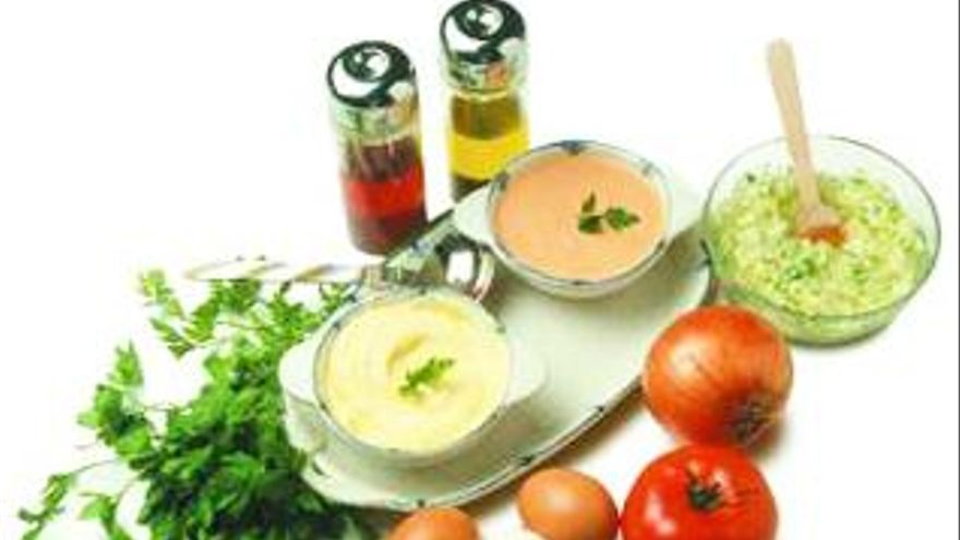Salsas frías: Tres recetas que alegrarán tus platos