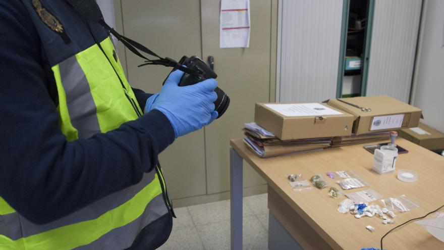 Dos años de prisión para un camionero detenido en Fuentesaúco por llevar 17,92 gramos de cocaína