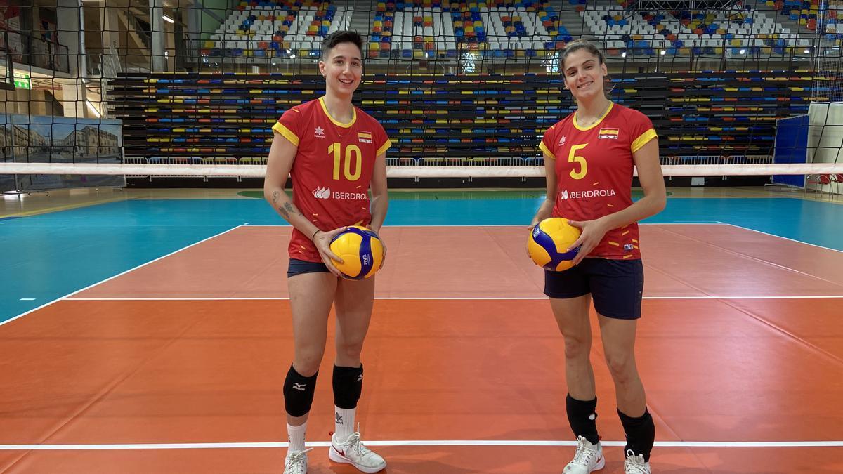 Inma Lavado y Alba Sánchez, el viernes en un receso de la preparación de la selección en Madrid.